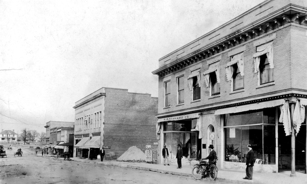 0330-Stores-on-east-side-of-Salem,-looking-north.-Amazing-de